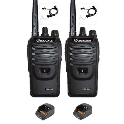 Set van 2 Wouxun KG-968 UHF portofoons IP66 10Watt met beveiliging oortje