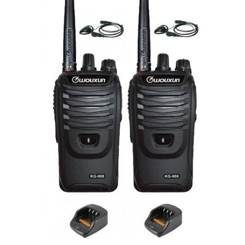 Set van 2 Wouxun KG-968 UHF portofoons IP66 10Watt met D-shape oortje