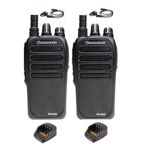 Set van 2 Wouxun KG-D828 Dualband DMR portofoons met D-shape oortjes