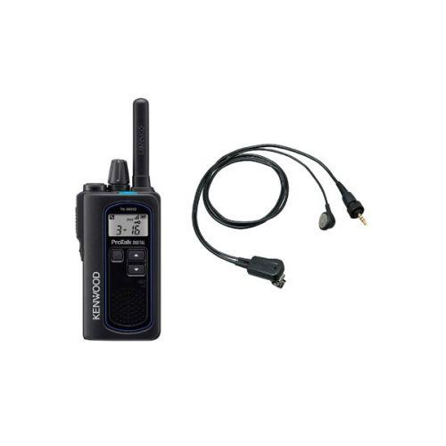 Kenwood TK-3601D IP67 Digitale mini portofoon met EMC-13 oortje en tafel lader