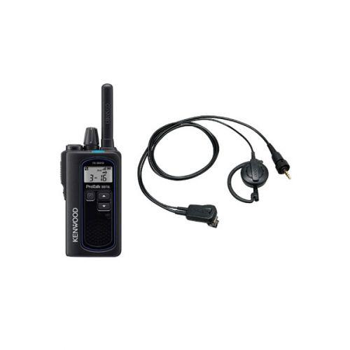 Kenwood TK-3601D IP67 Digitale mini portofoon met EMC-14 oortje en tafel lader