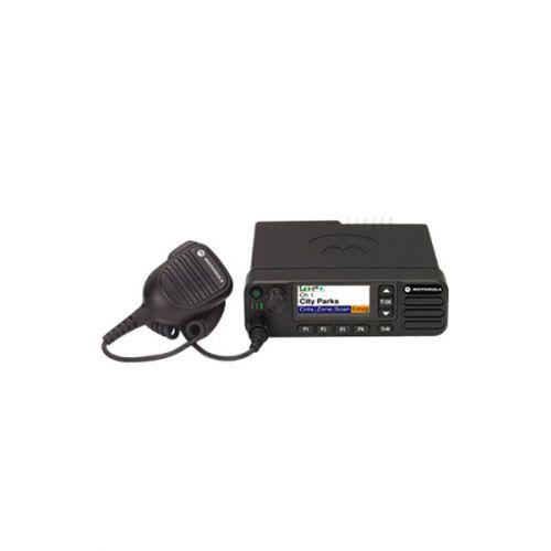 Motorola DM4401E DMR VHF Mobilofoon 25watt met Bluetooth en GPS