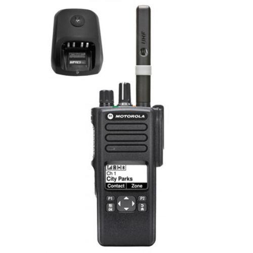 Motorola DP4600E UHF DMR IP68 5watt met tafellader
