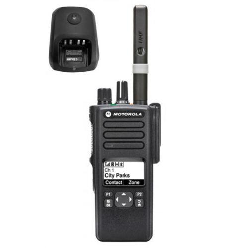 Motorola DP4601E UHF DMR IP68 5watt met tafellader