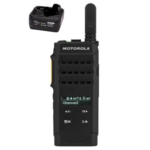 Motorola SL2600 UHF DMR IP54 3Watt compact met tafellader