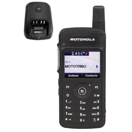 Motorola SL4000E UHF DMR IP54 2watt met tafellader