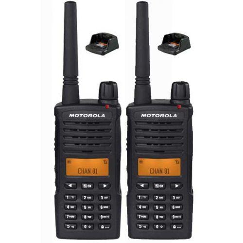 Set van 2 Motorola XT660D IP54 Digitale PMR446 Portofoon met tafellader
