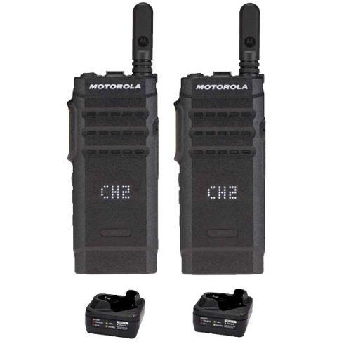 Set van 2 Motorola SL1600 DMR UHF IP54 3Watt portofoon met tafellader
