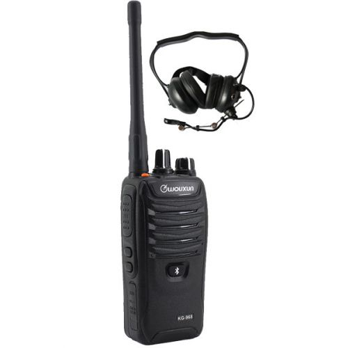 Wouxun KG-968 IP66 10Watt met heavy duty headset